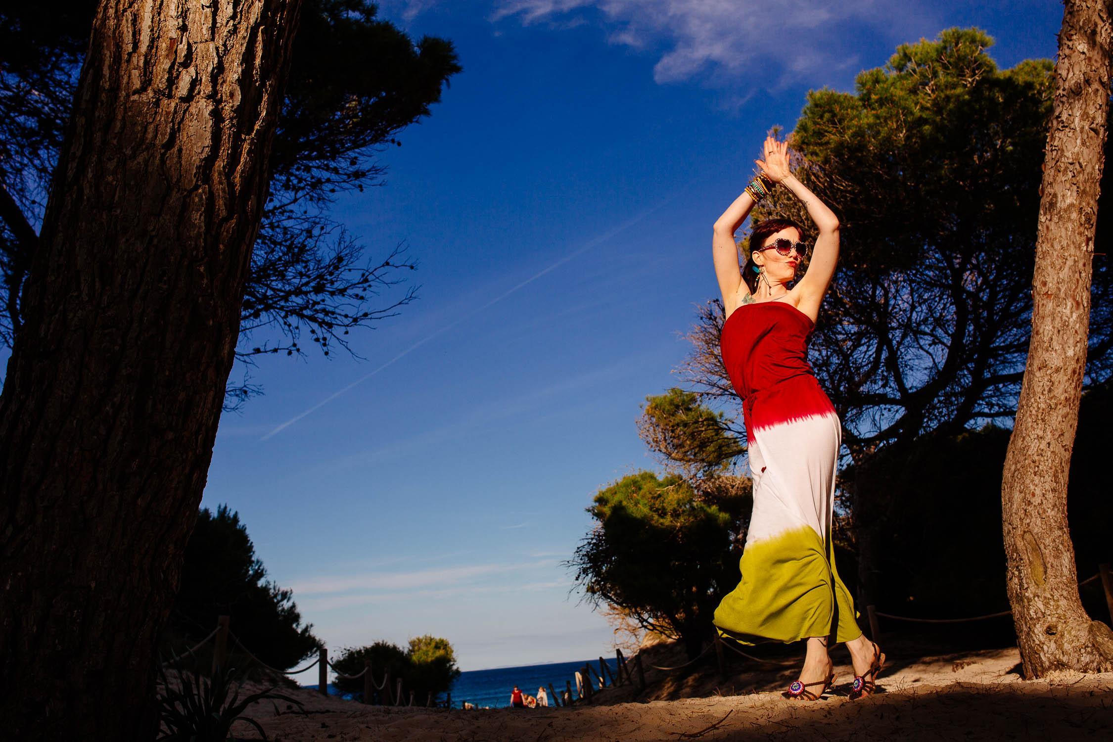 Tanzen ind er Sonne am Strand von Mallorca