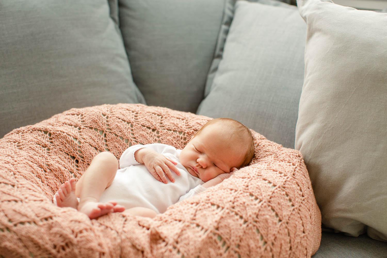 Neugeborenenshooting zuhause 7